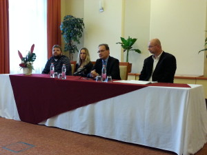Fajcsi Ferenc a fesztivál szakmai vezetője, Benke Nikolett alpolgármester,Dr.Hoppál Péter kulturális államtitkár és Pataki András fesztiváligazgató