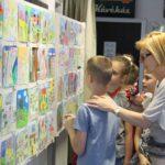 Gyermekrajzokból nyílt kiállítás a Közösségek Házában