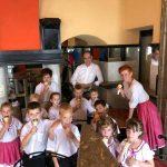 A Szent Bernadett Tagóvoda ovisai adtak műsort a pécsi alapkőletételnél