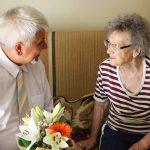 A 90 éves Magdi nénit köszöntötte az önkormányzat