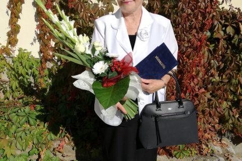 Aranydiplomát vehetett át a komlói tanító