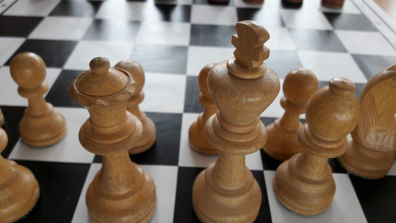 Sakk: eddig egy döntetlen a bajnoki mérleg