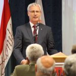 Soltész Miklós tartott lakossági fórumot Komlón