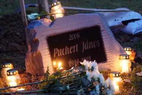 Puchert János díszpolgárunk emlékhelyével bővült a sétány